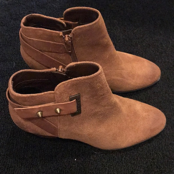 Guess Shoes | Suede Boots | Poshmark